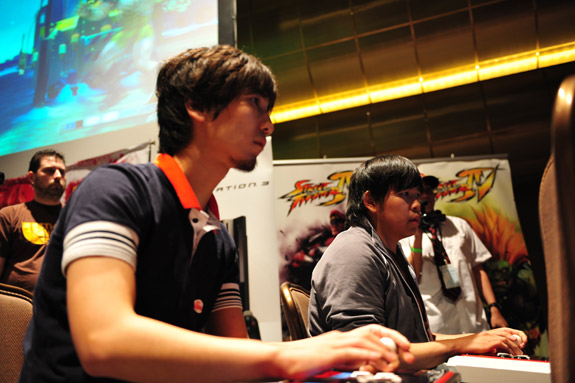 "Daigo ""The Beast"" Umehara takes the EVO2k9 Street Fighter IV crown"