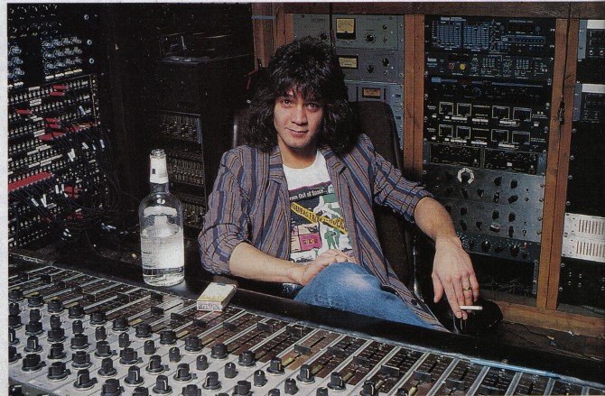 """Van Halenの新曲""""As Is""""のリフ、この初出は……"""