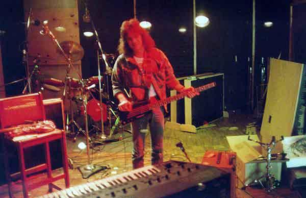 """van halen """"fresh"""" b side demo from 1984"""